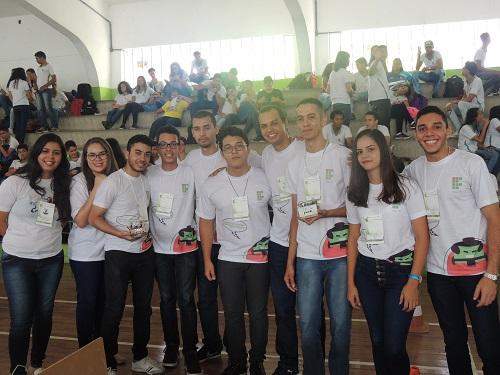 Equipes de Rio Largo, Swagger e Kombat conquistaram primeiro e terceiro lugares, respectivamente, na competição de sumô robô.JPG
